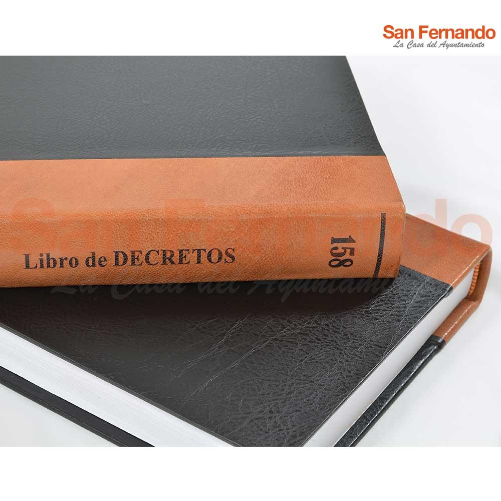 Encuadernación artesanal libros Ayuntamiento. Actas de Pleno, Resoluciones de Alcaldía y Junta de Gobierno Local.