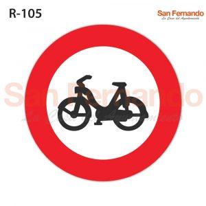 senalizacion vertical, prohibicion entrada ciclomotores scooters