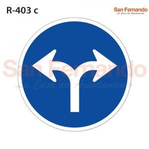 dos flechas de unico sentido obligatorio. senal azul redonda